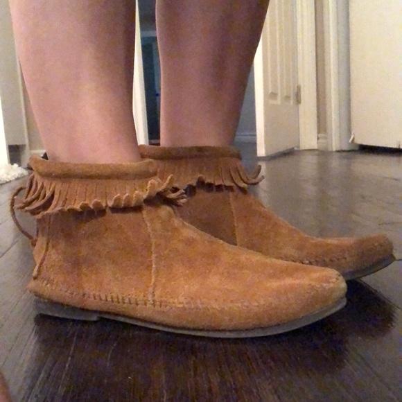 Minnetonka brown suede fringe ankle moccasins